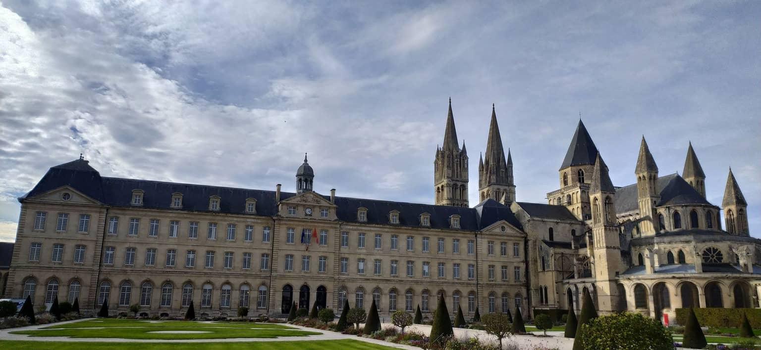 mairie de la ville de Caen où est né Mickaël Petit